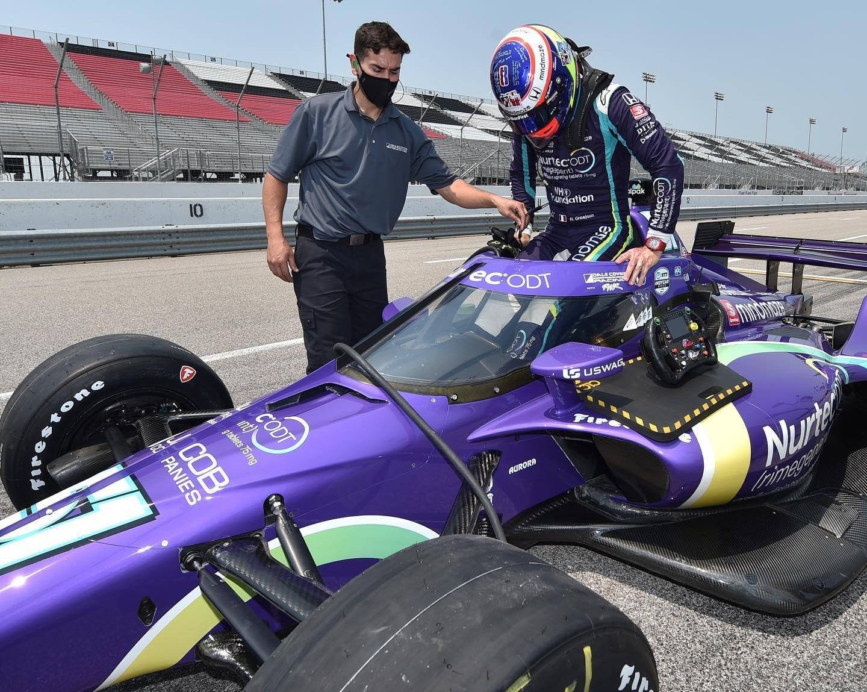 1er test en IndyCar sur ovale réussi (+ images)